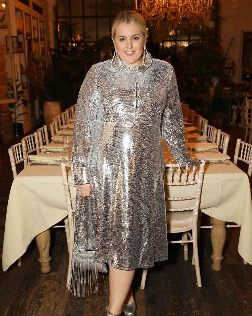 Платья для полных женщин на Новый год 2020 фото_31