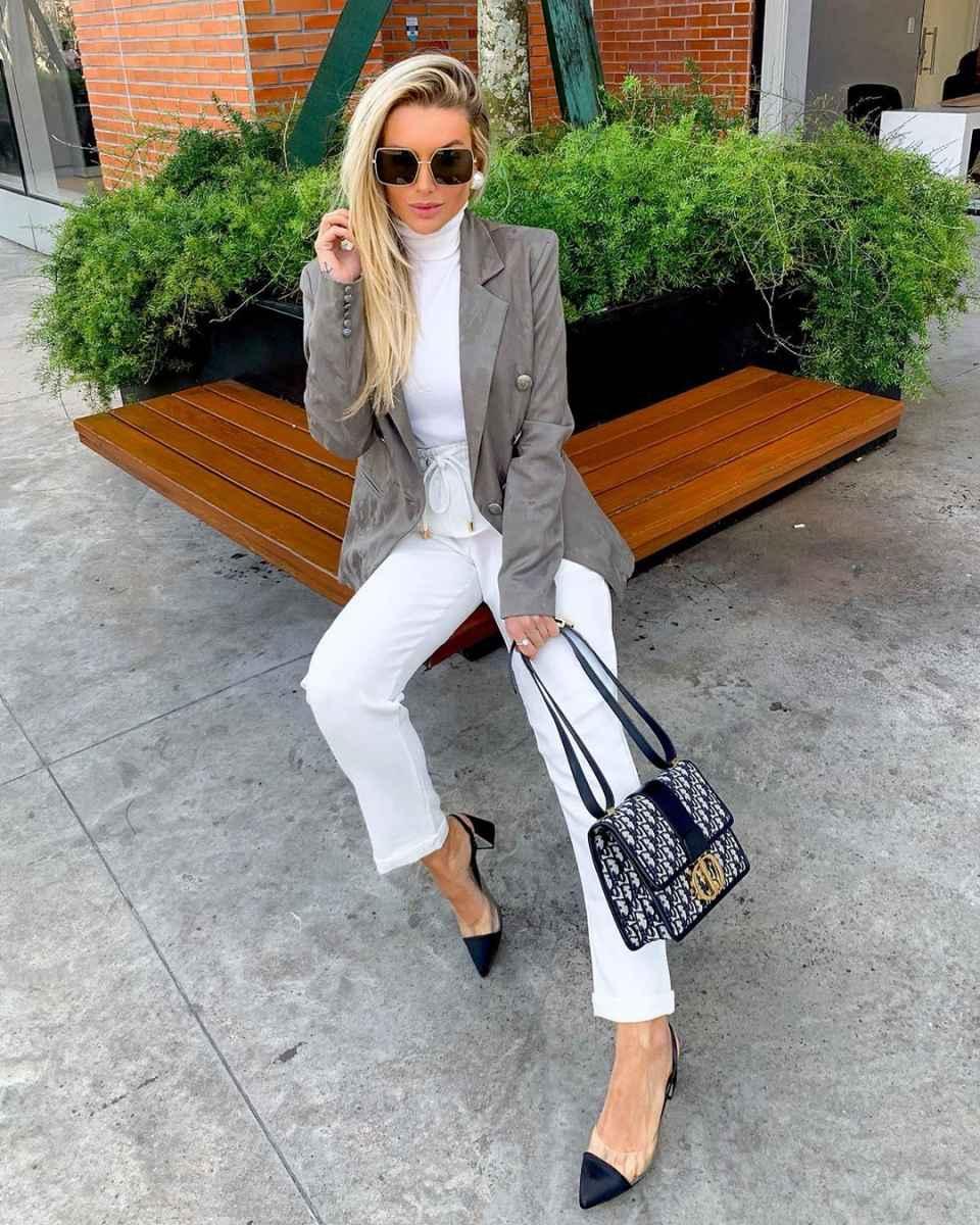 Как одеться на 8 марта женщине на работу фото_8