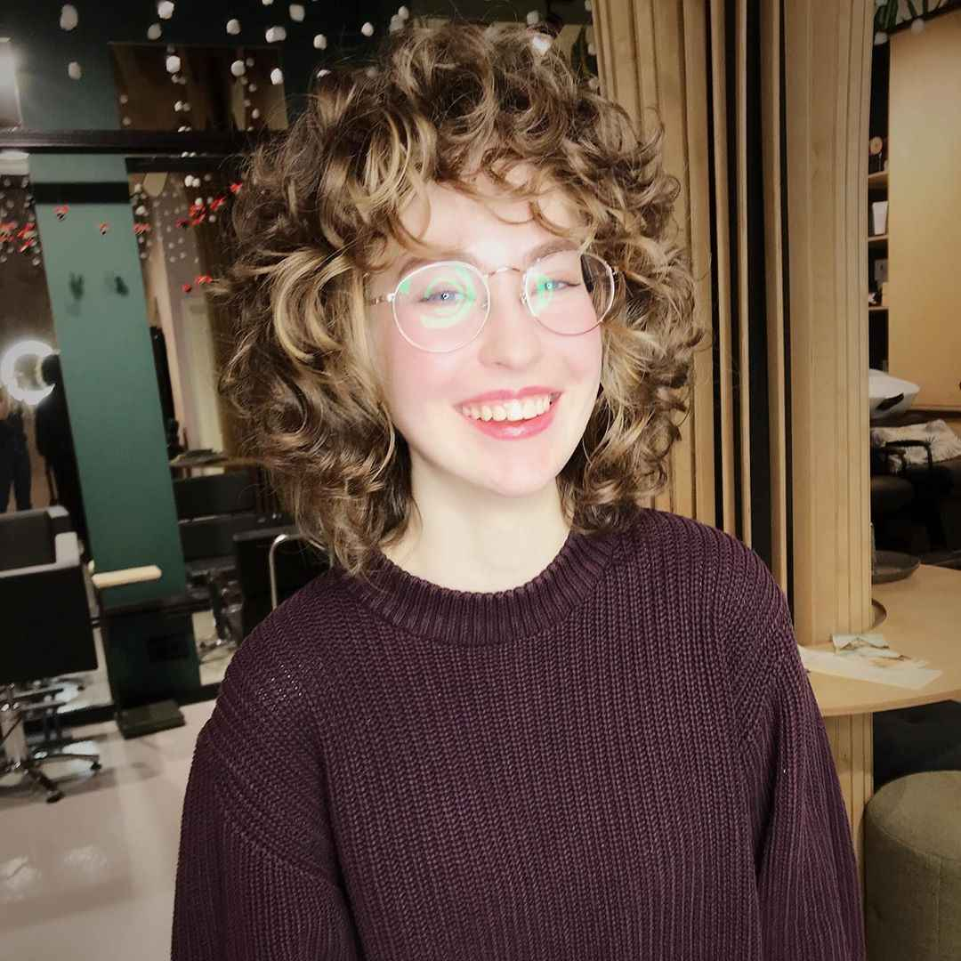 Стрижка каре на вьющиеся волосы 2020 фото_6