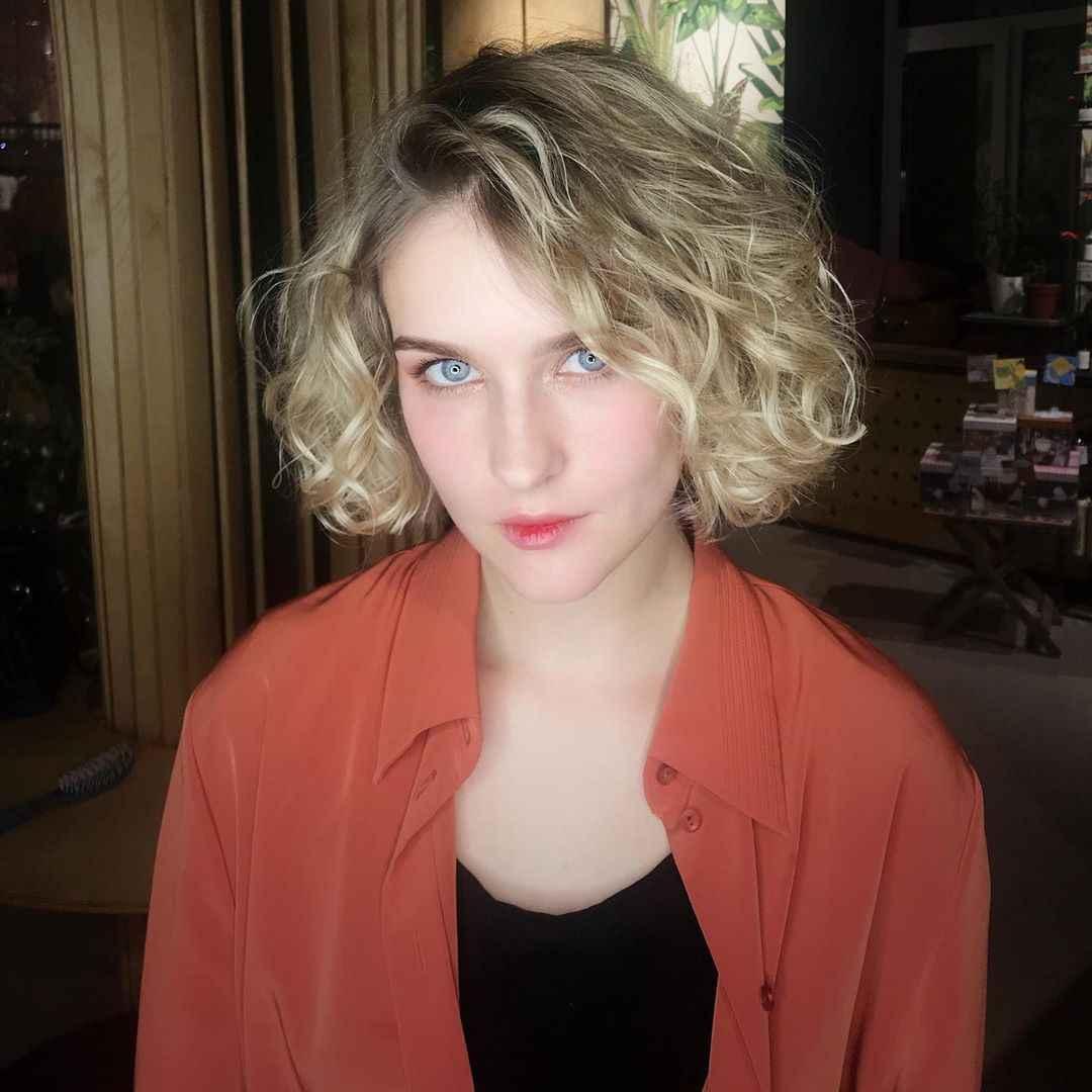 Стрижка каре на вьющиеся волосы 2020 фото_5