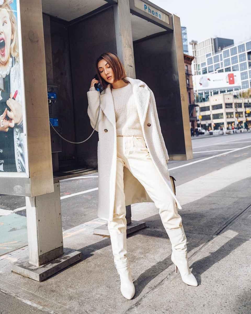 Как одеться на 8 марта женщине на работу фото_33