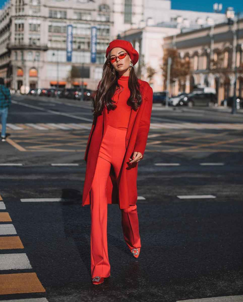 Как одеться на 8 марта женщине на работу фото_54