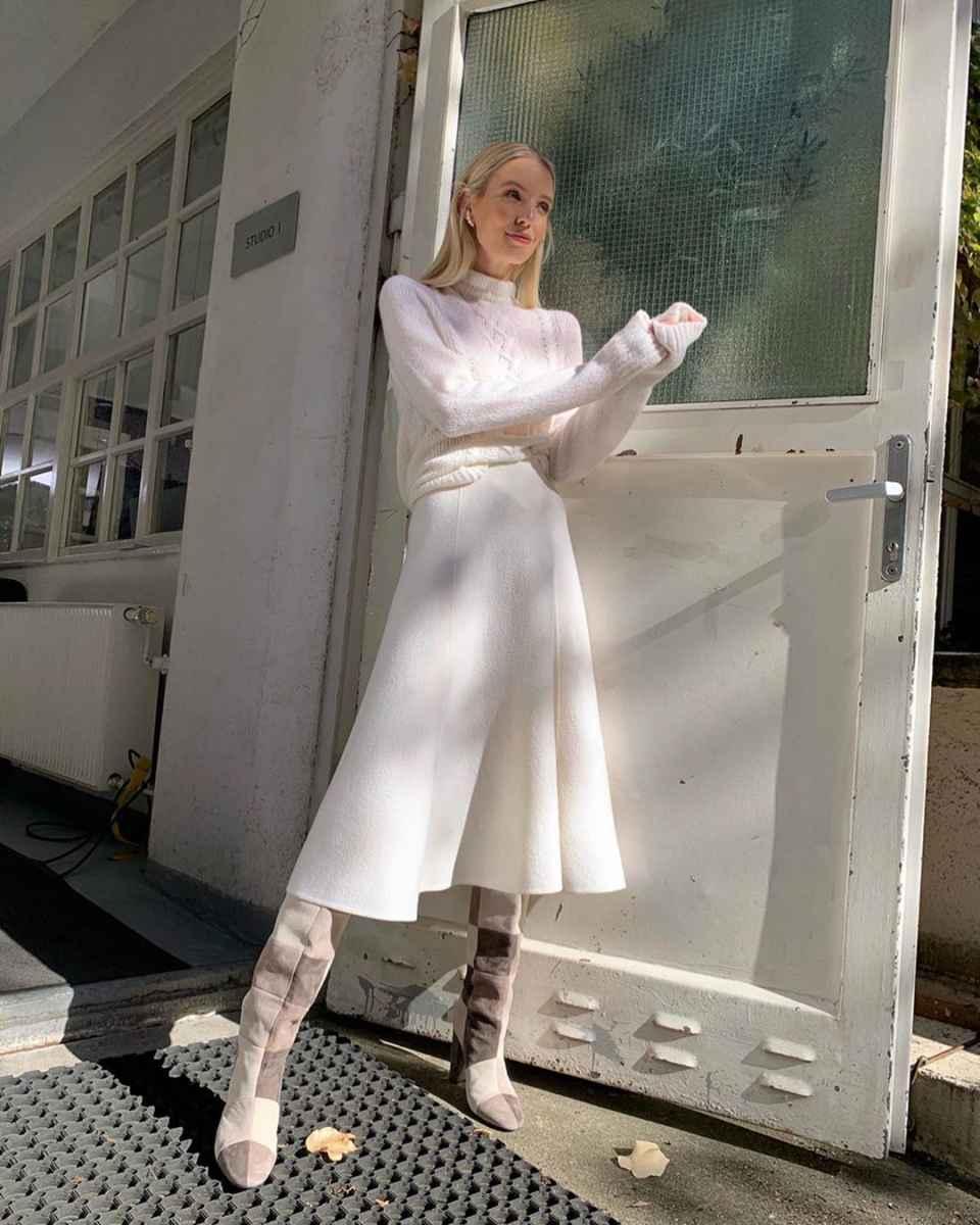 Как одеться на 8 марта женщине на работу фото_32