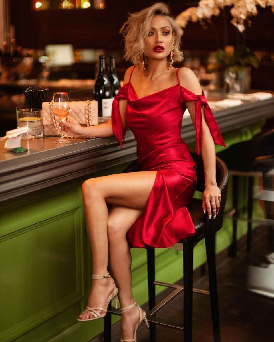 Модные женские образы на день святого Валентина 2020 фото_32
