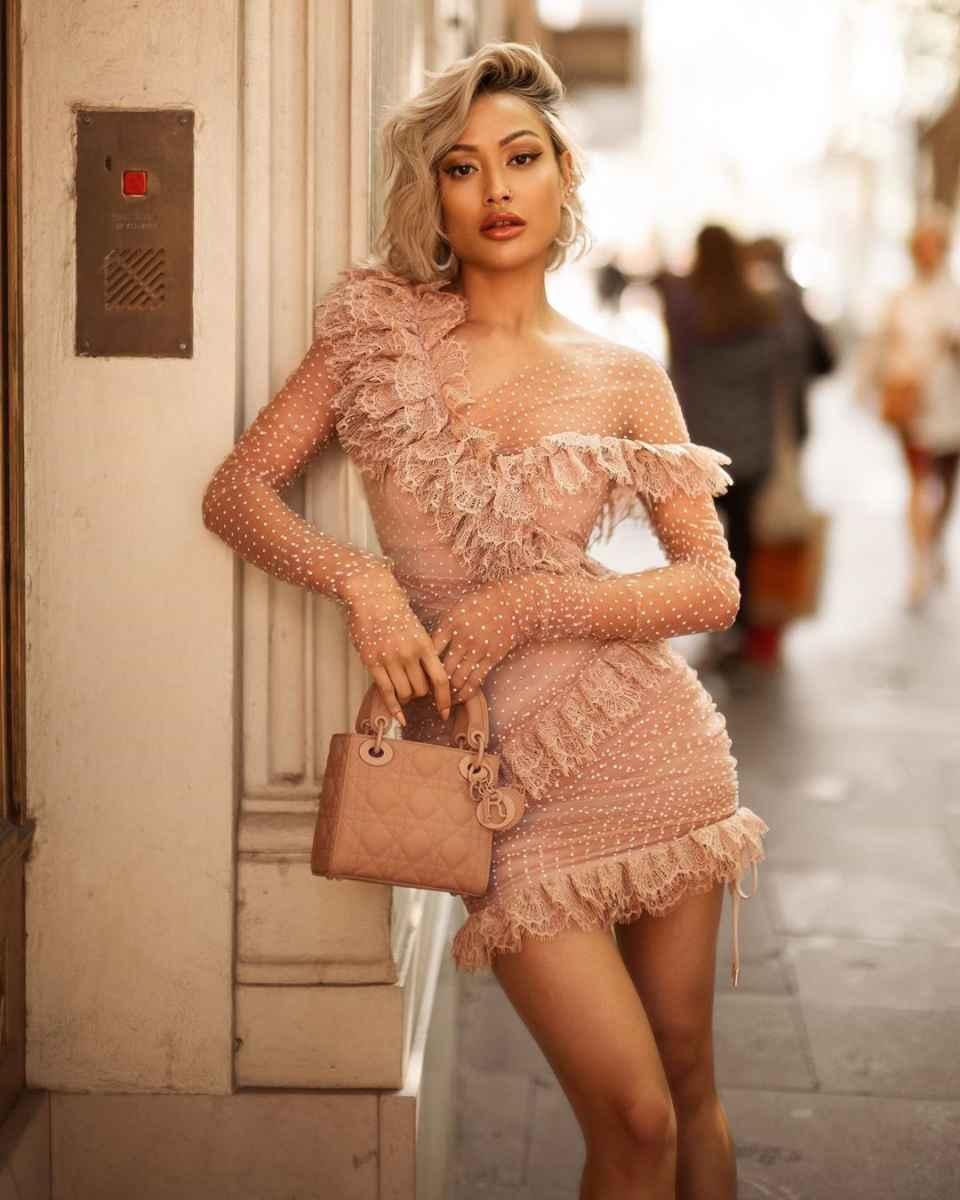Модные женские образы на день святого Валентина 2020 фото_40