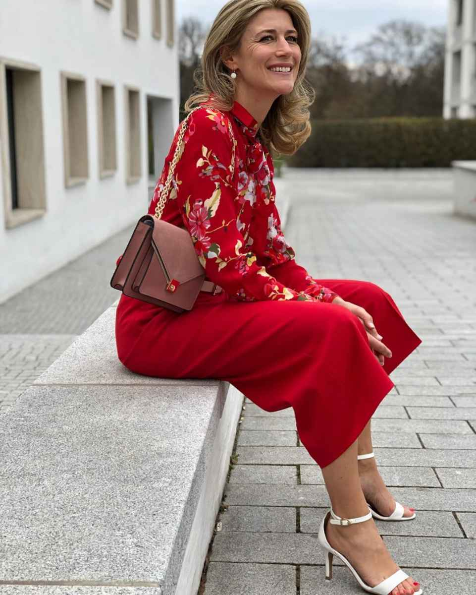 Как одеться на корпоратив женщине 40-50 лет фото_17