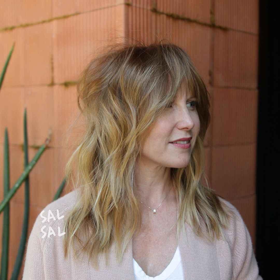объемные стрижки на средние волосы 2020 фото_14