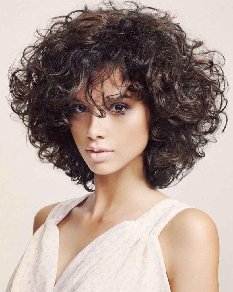 Стрижки для средних кудрявых волос картинки