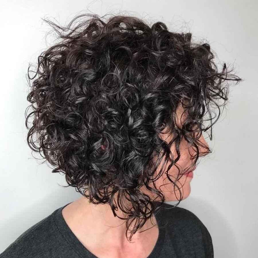 Стрижка каре на вьющиеся волосы 2020 фото_4