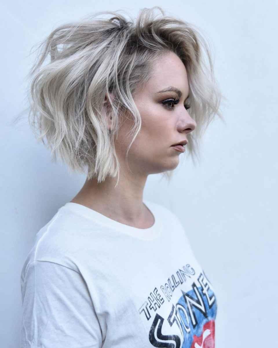 Стрижка каре на вьющиеся волосы 2020 фото_30