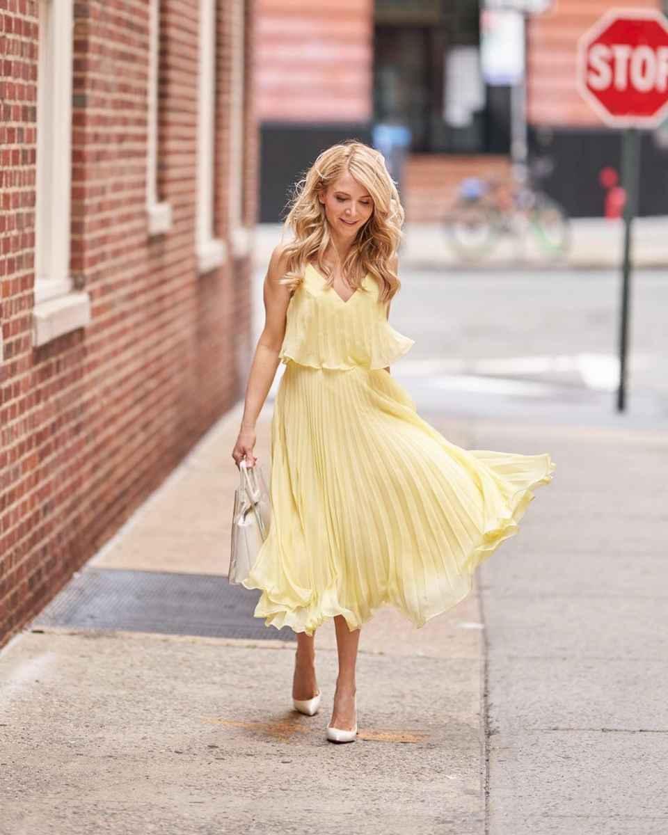 Модные образы весна-лето 2020 для женщин 30-35 лет фото_25