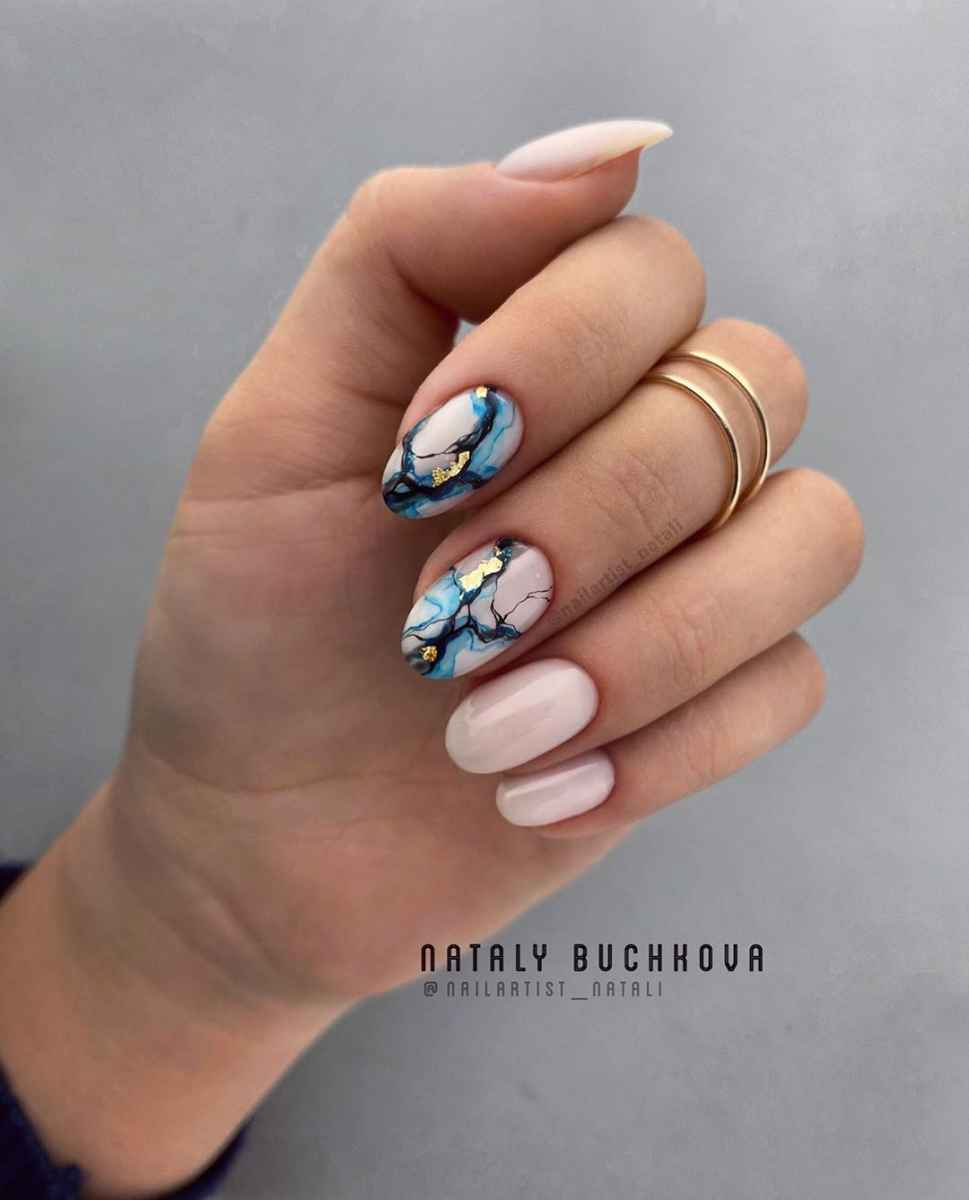 Фантазийные текстуры на ногтях фото_16