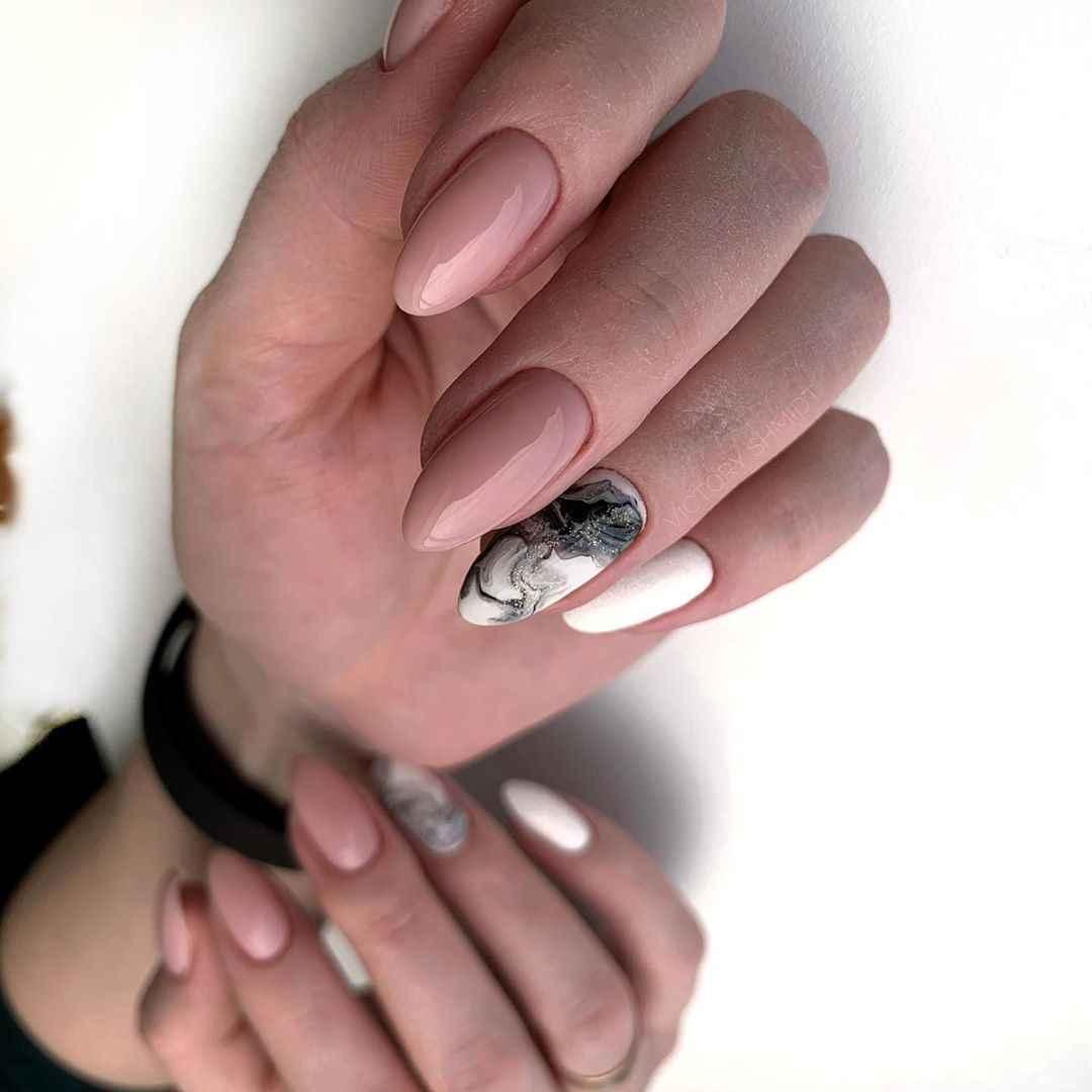 Фантазийные текстуры на ногтях фото_47