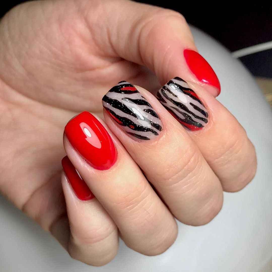 Зебра на ногтях фото_29