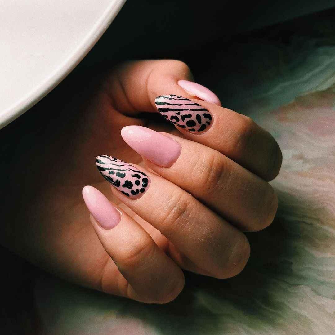 Зебра на ногтях фото_31