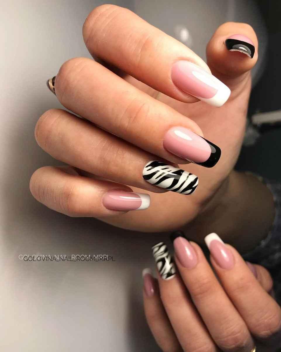 Зебра на ногтях фото_18