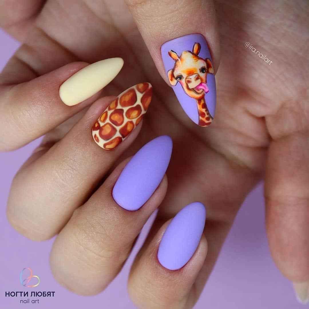 жираф на ногтях фото_3