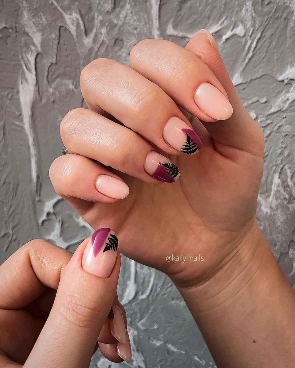 Маникюр с папоротником на короткие ногти фото_3