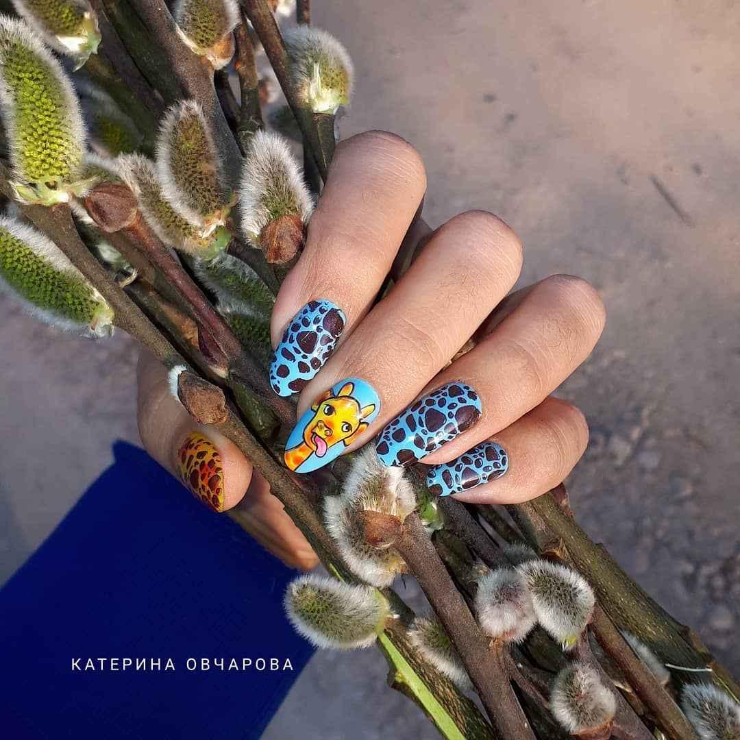 жираф на ногтях фото_22