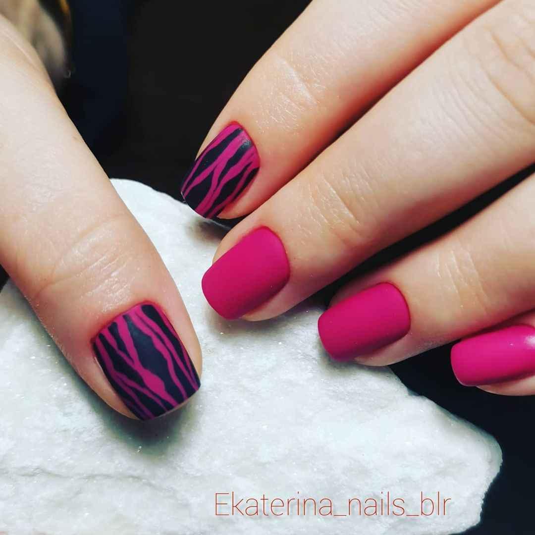 Зебра на ногтях фото_20