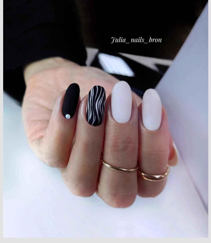 Зебра на ногтях фото_8