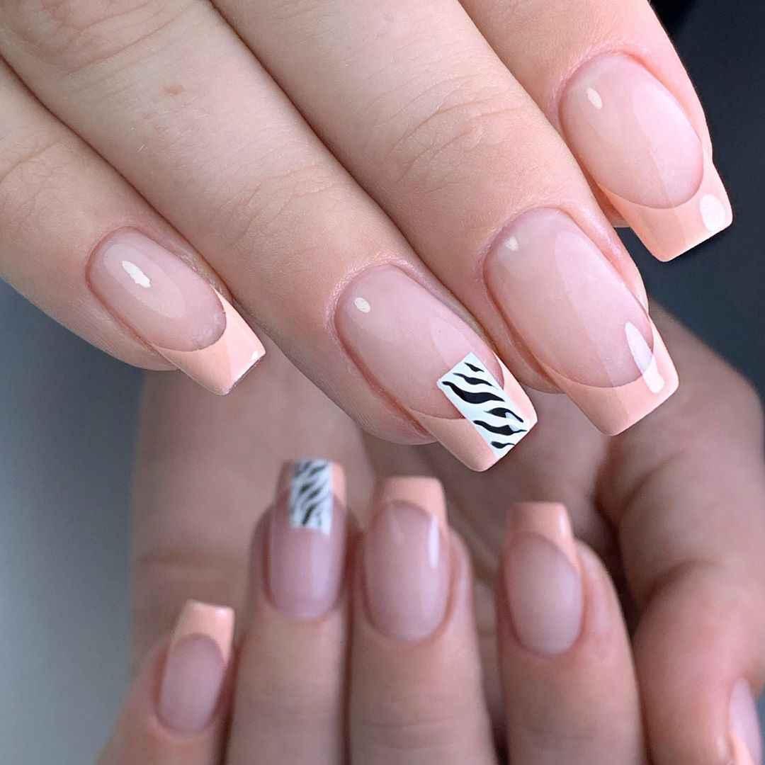 Зебра на ногтях фото_3