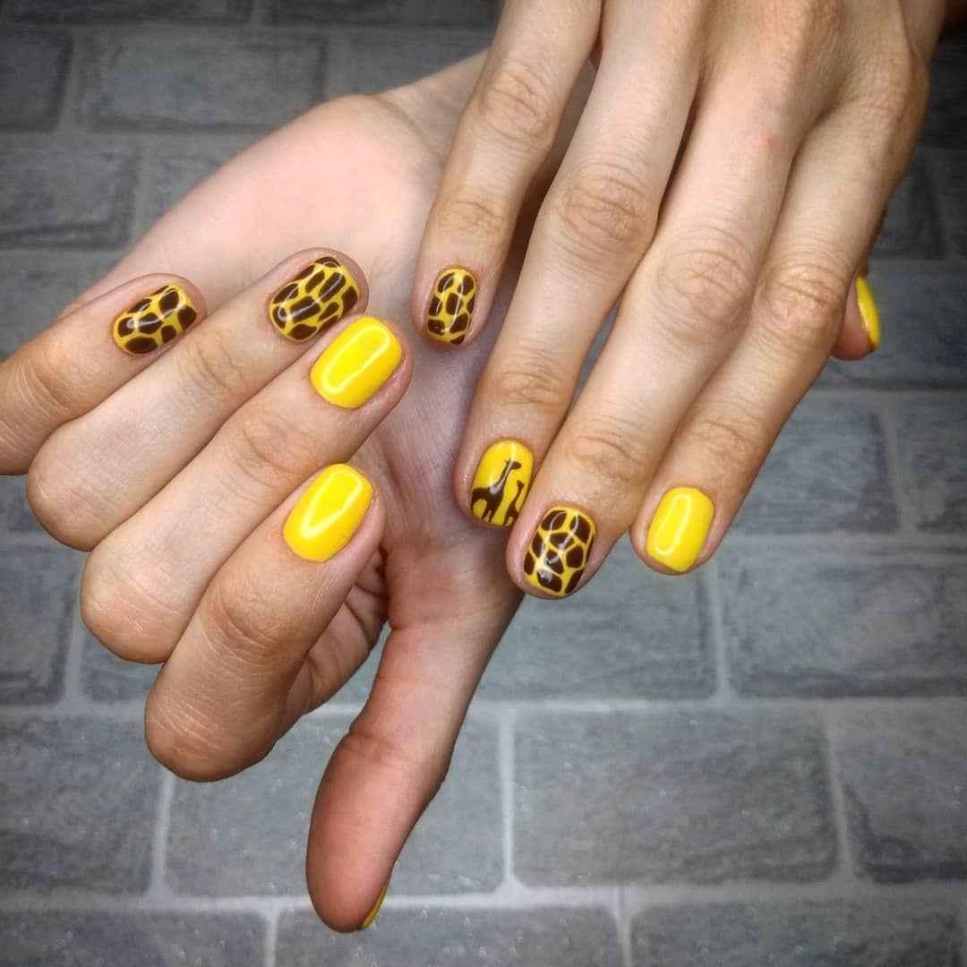 жираф на ногтях фото_37