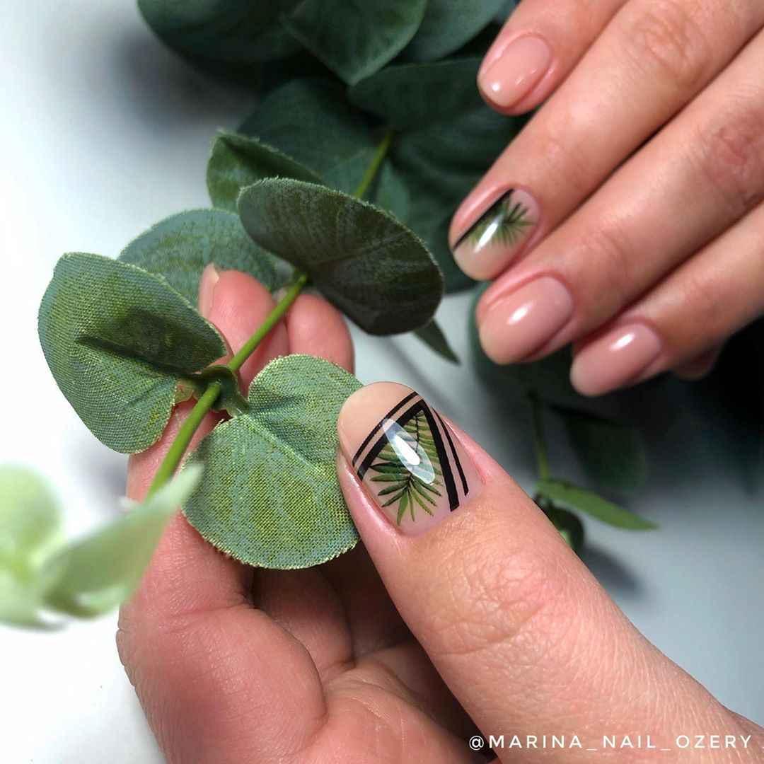 Маникюр с папоротником на короткие ногти фото_6