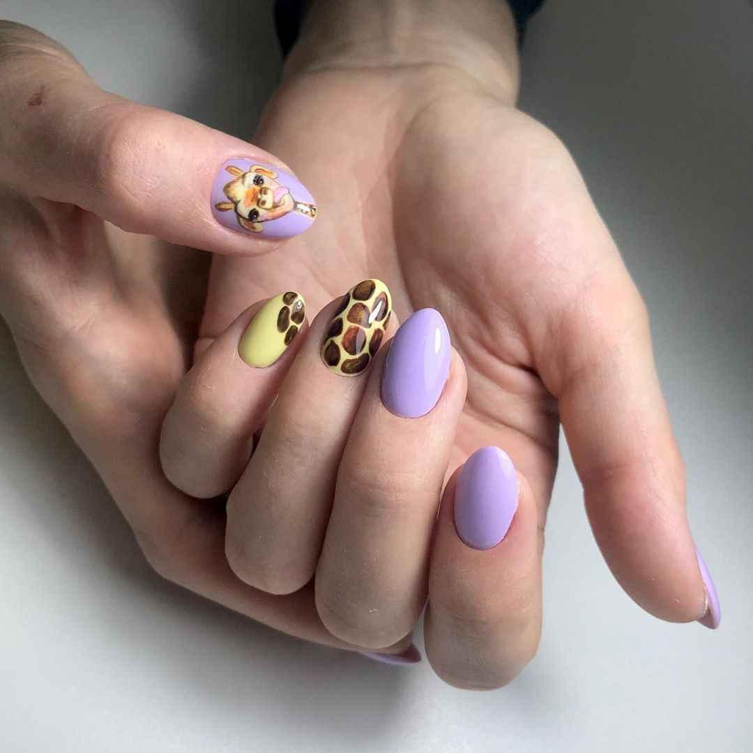 жираф на ногтях фото_13