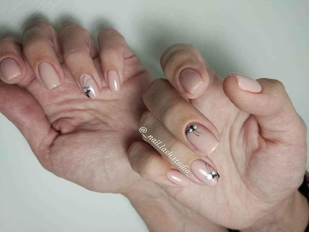 Муравьи на ногтях фото_11