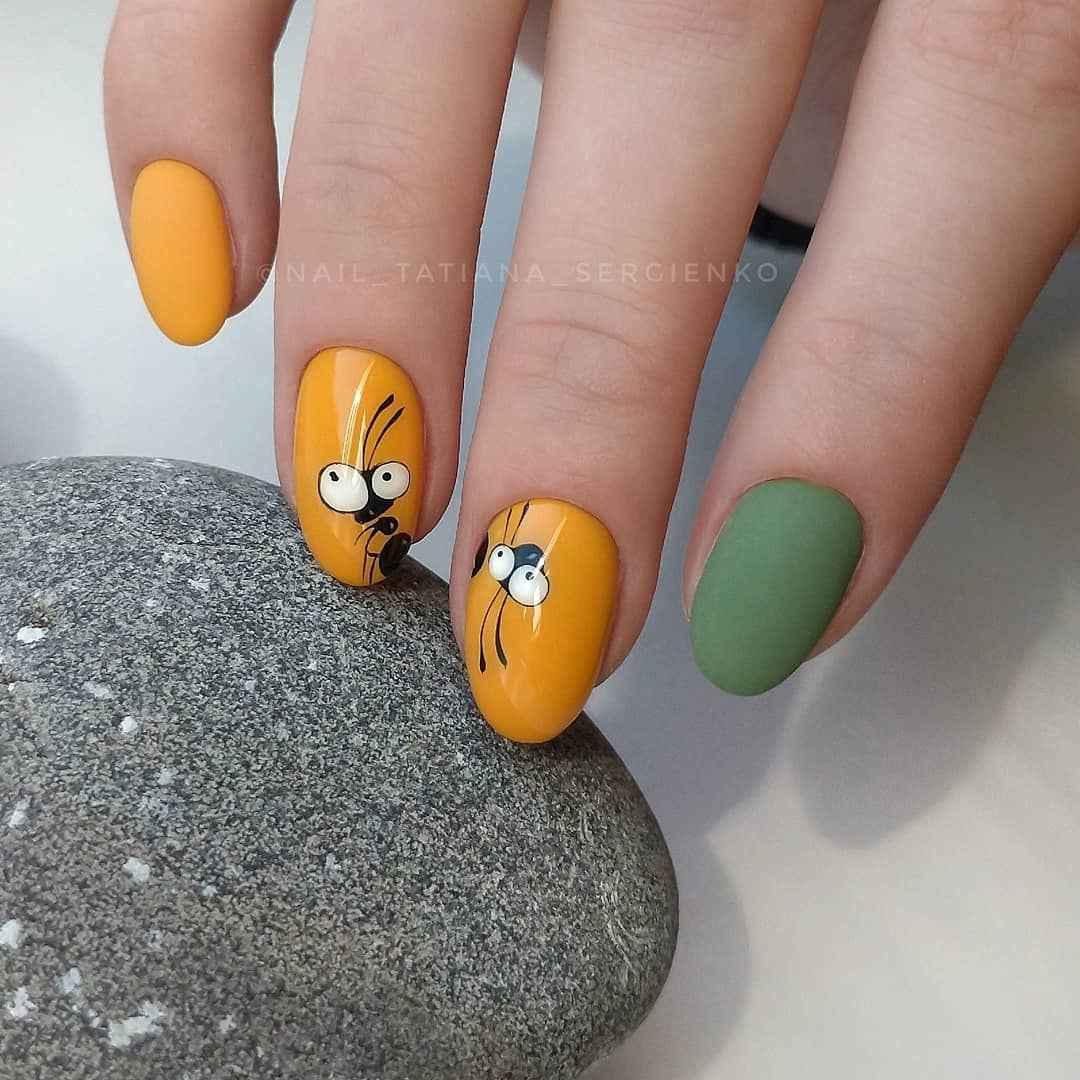 Муравьи на ногтях фото_23