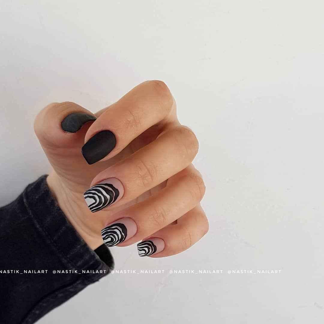 Зебра на ногтях фото_27