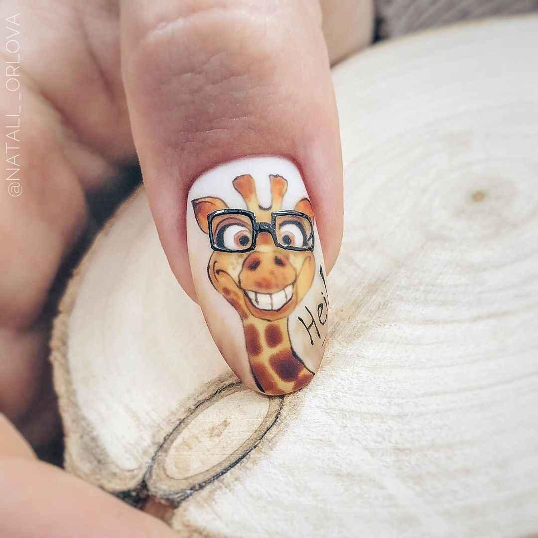 жираф на ногтях фото_2