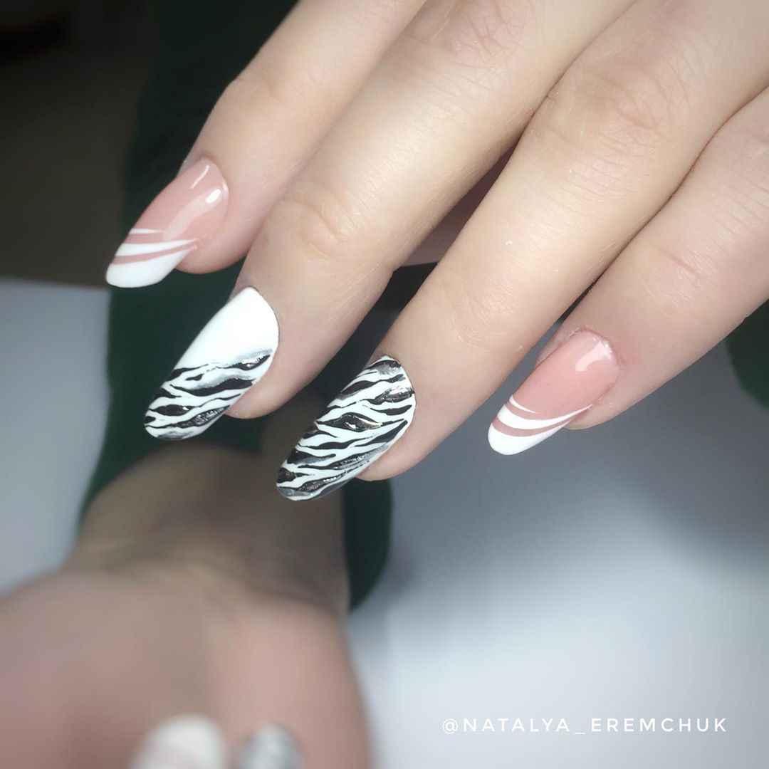 Зебра на ногтях фото_21