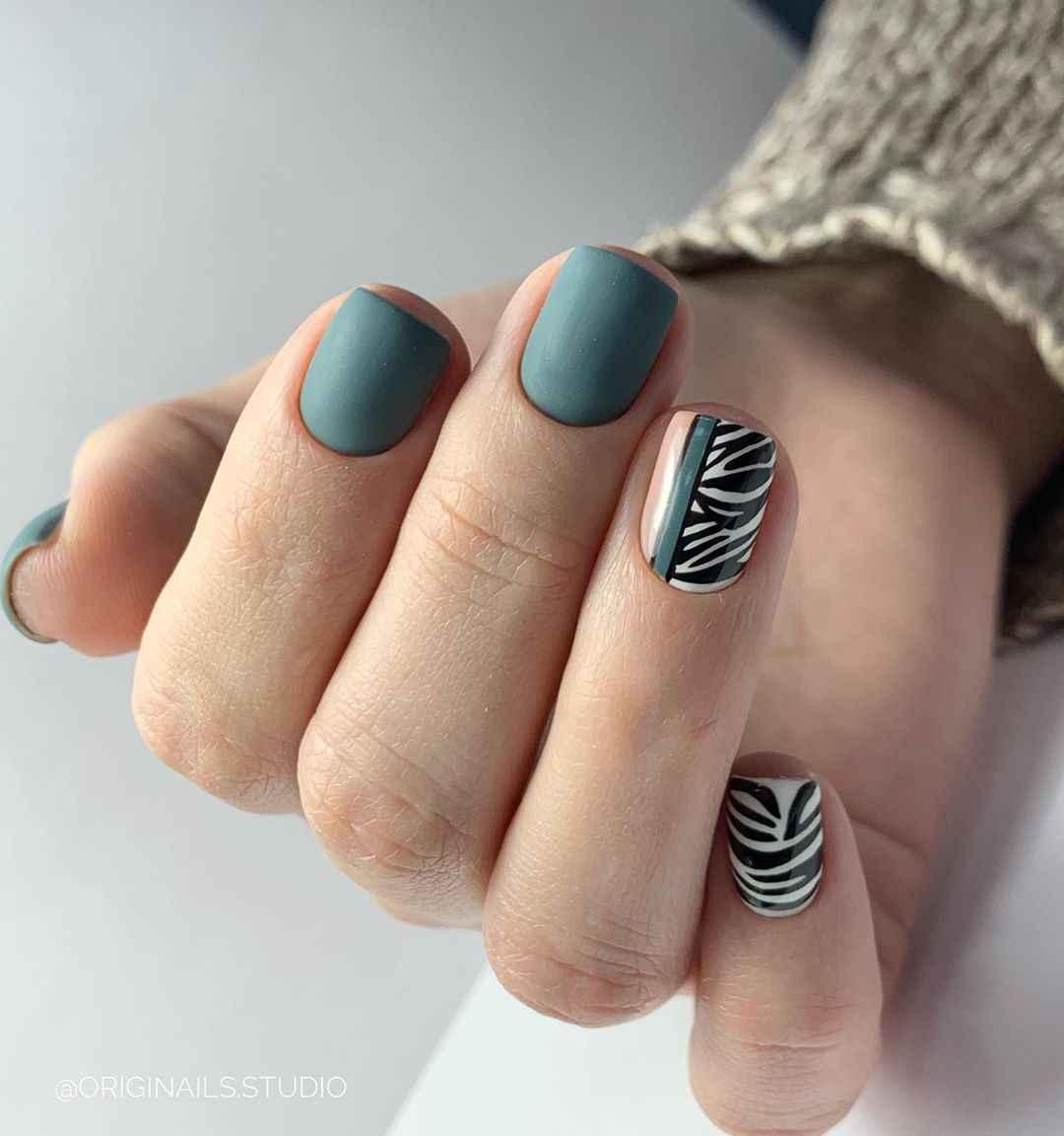 Зебра на ногтях фото_7