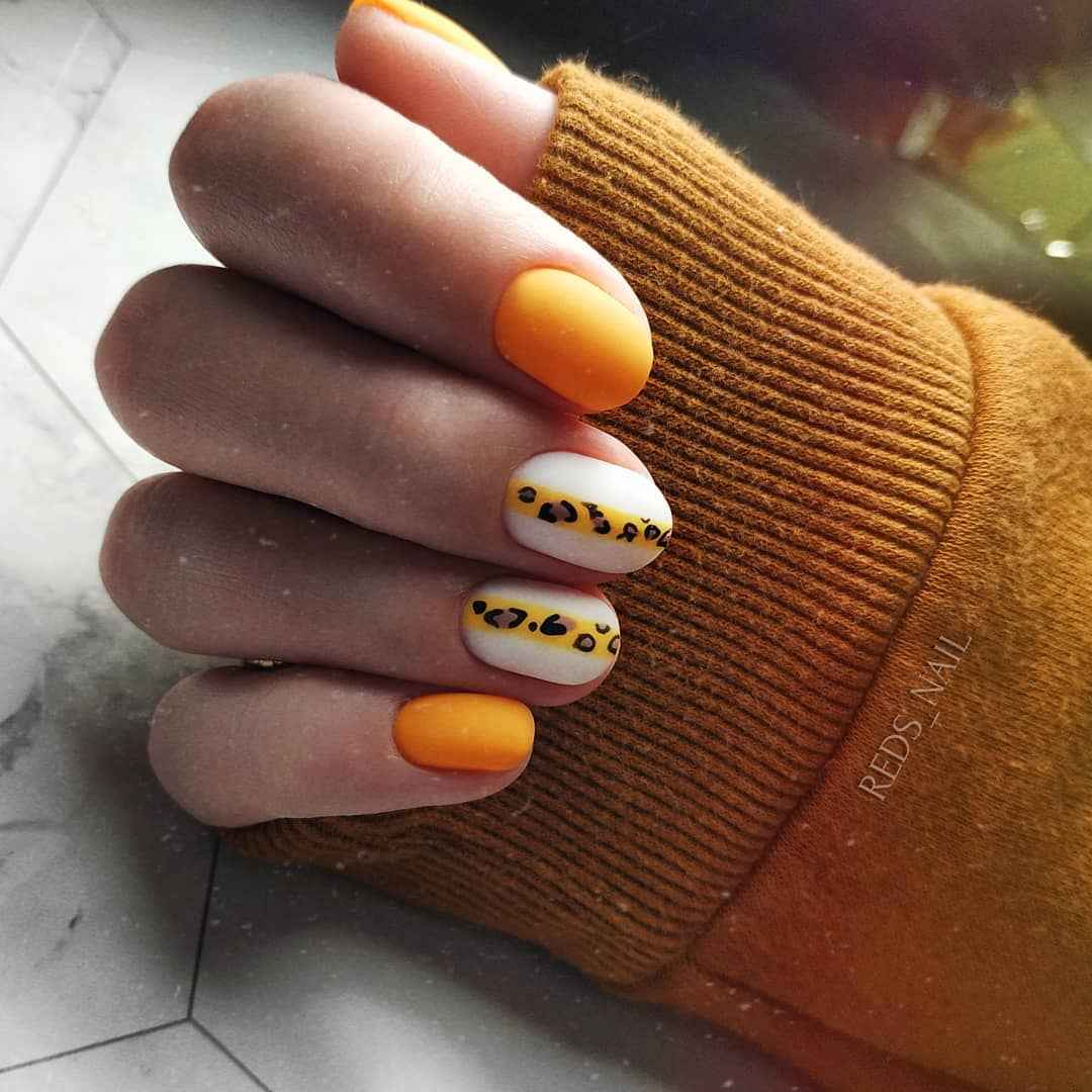 жираф на ногтях фото_28