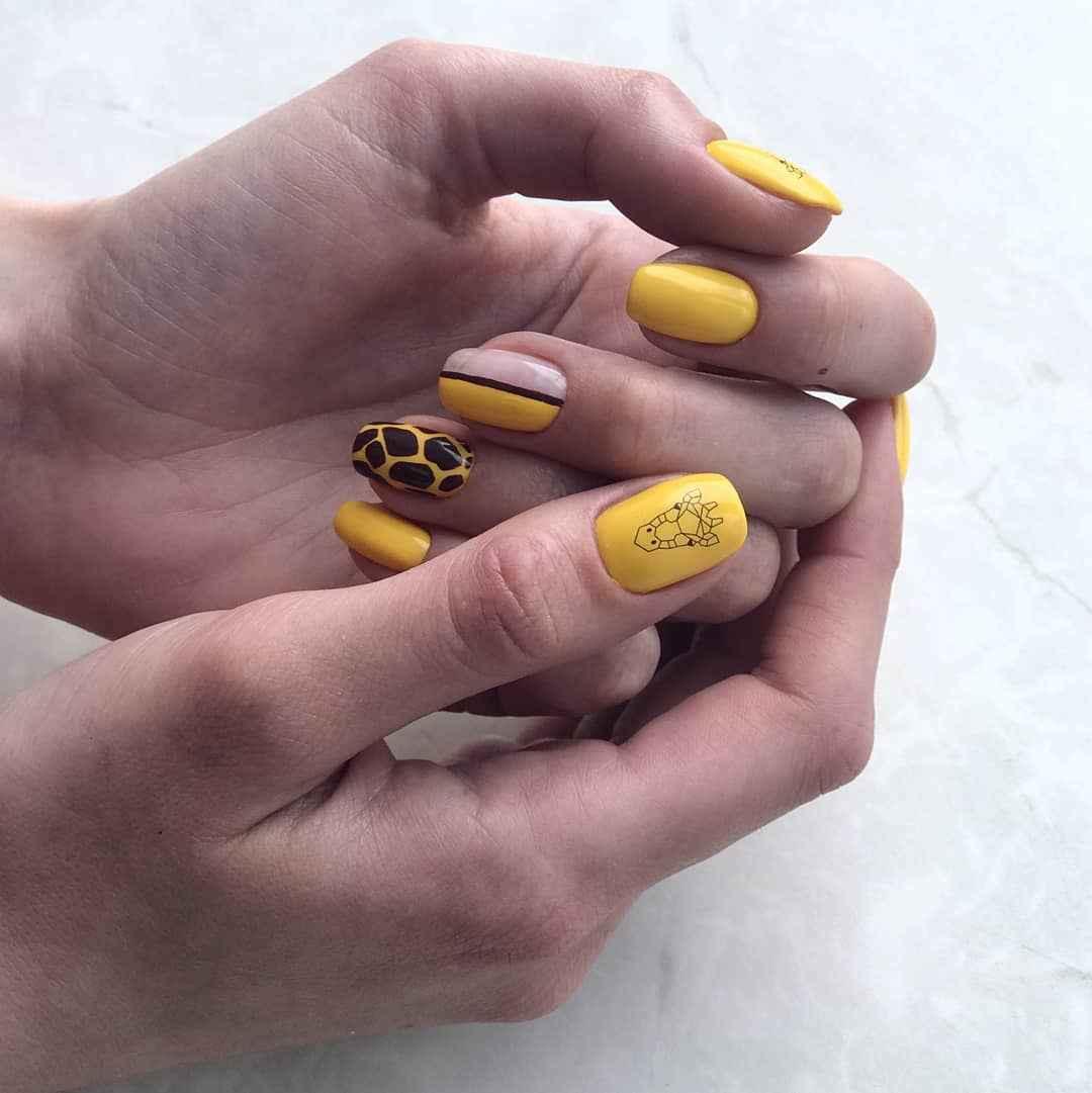 жираф на ногтях фото_42