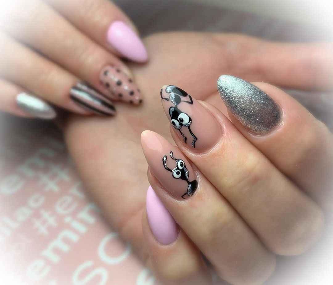 Муравьи на ногтях фото_9