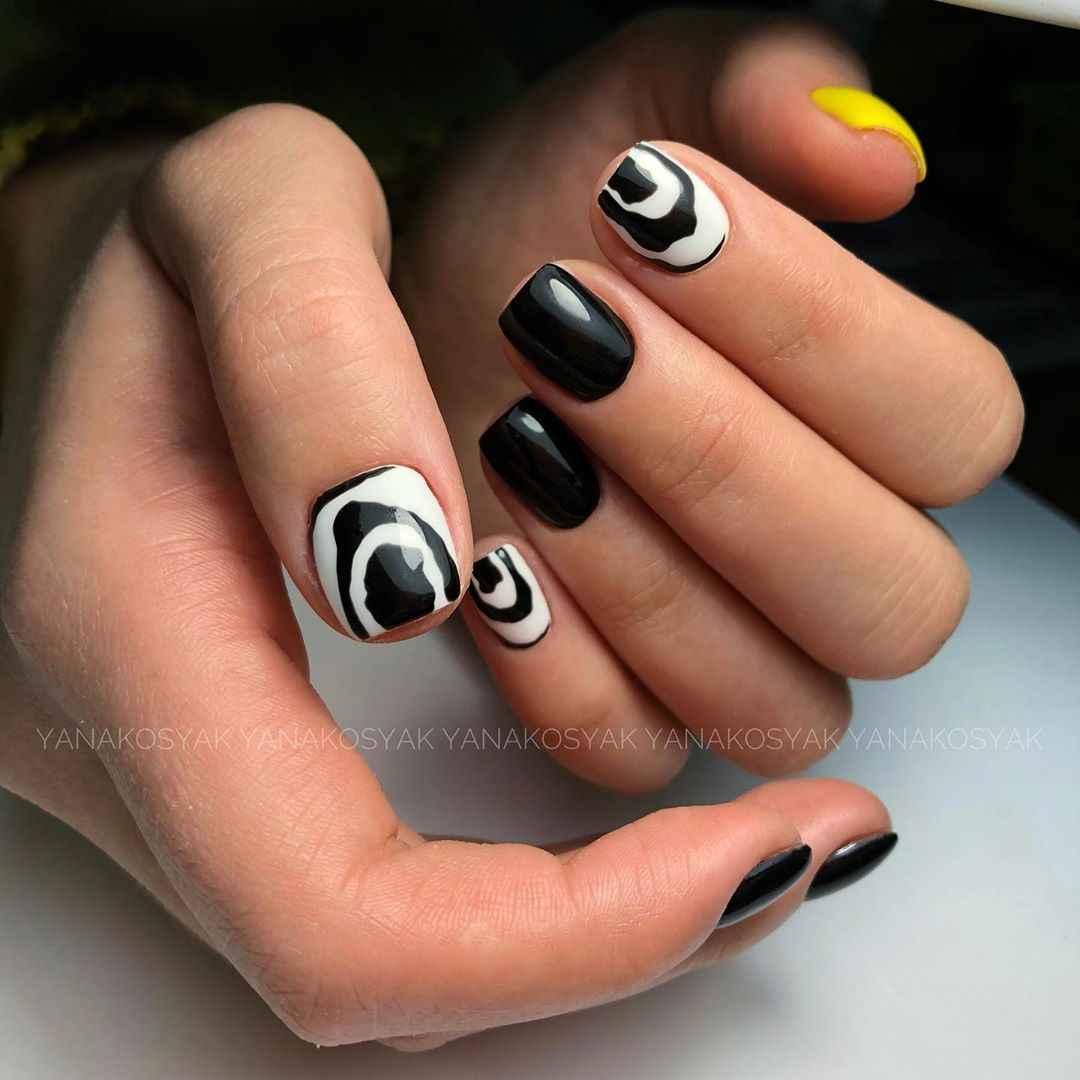 Зебра на ногтях фото_1