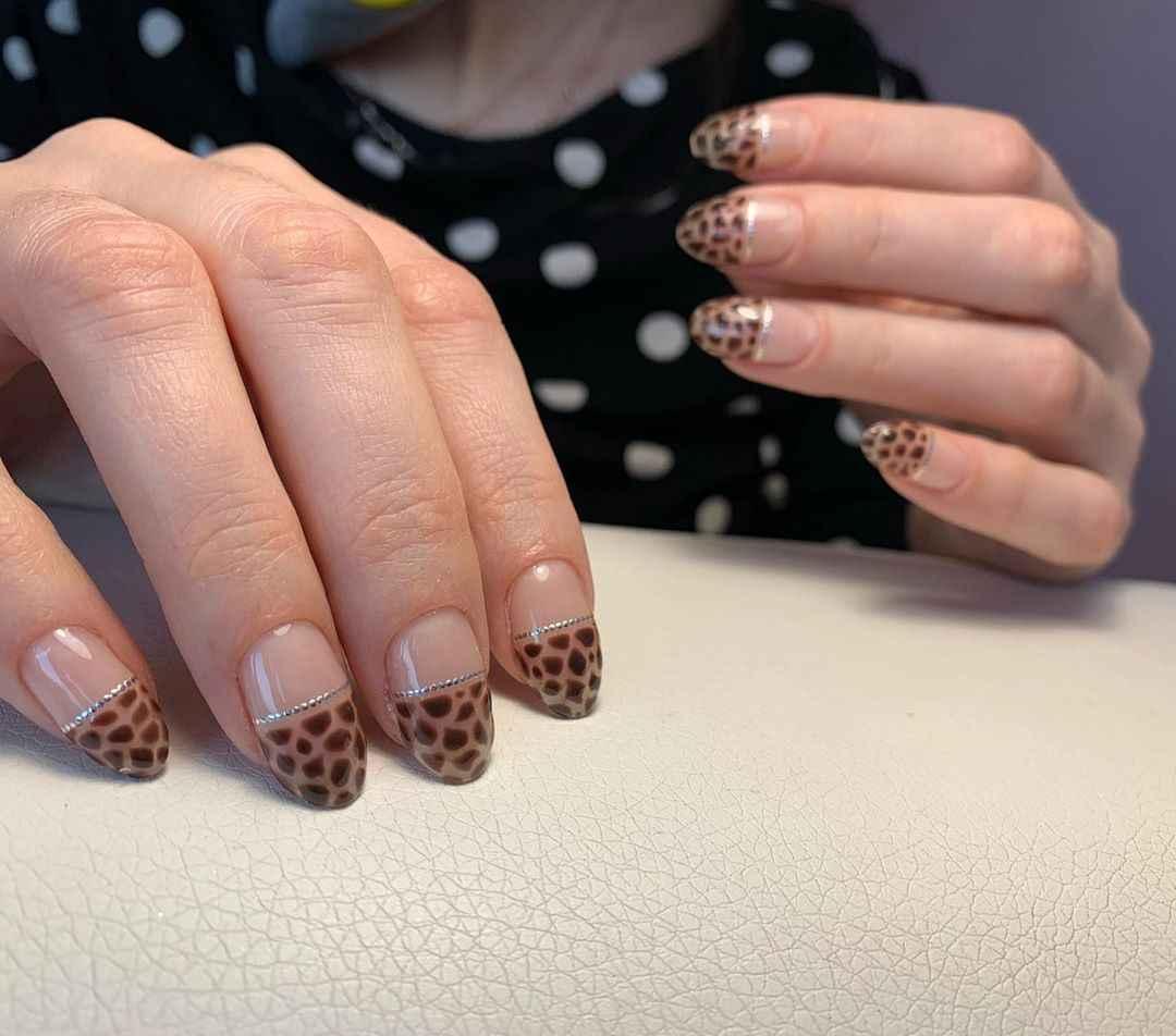 жираф на ногтях фото_11