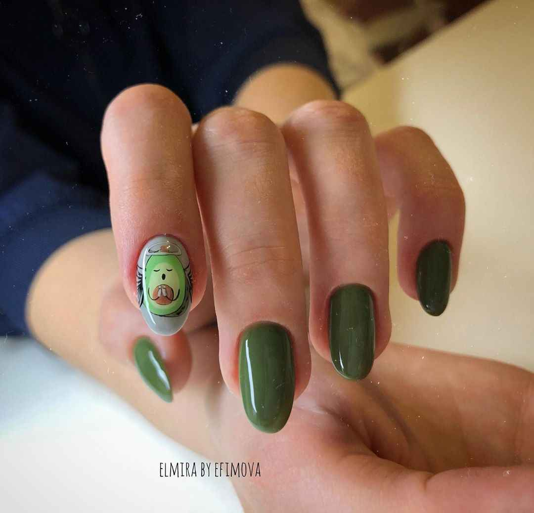 Маникюр с авокадо на одном пальце фото_4