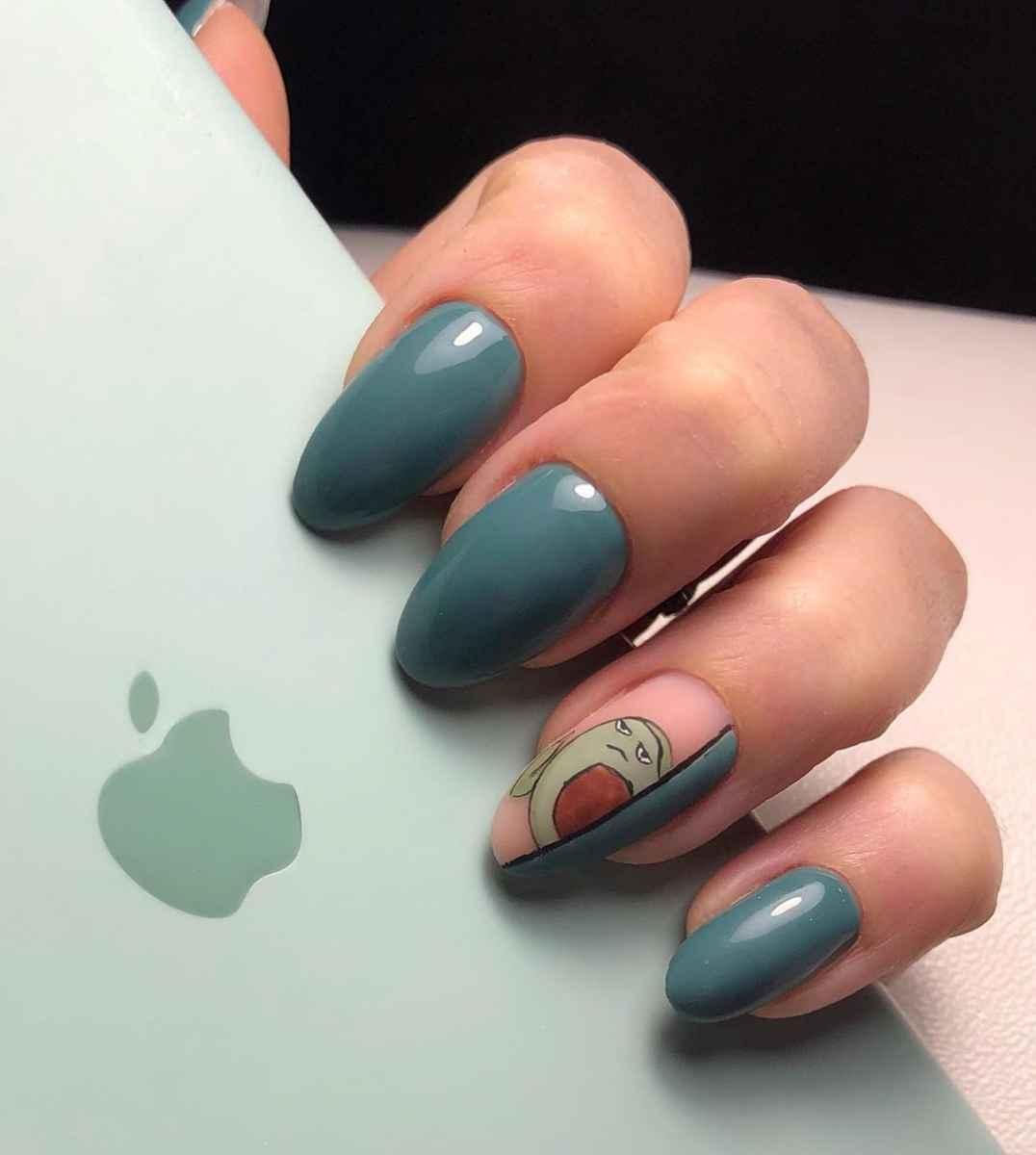 Маникюр с авокадо на одном пальце фото_5
