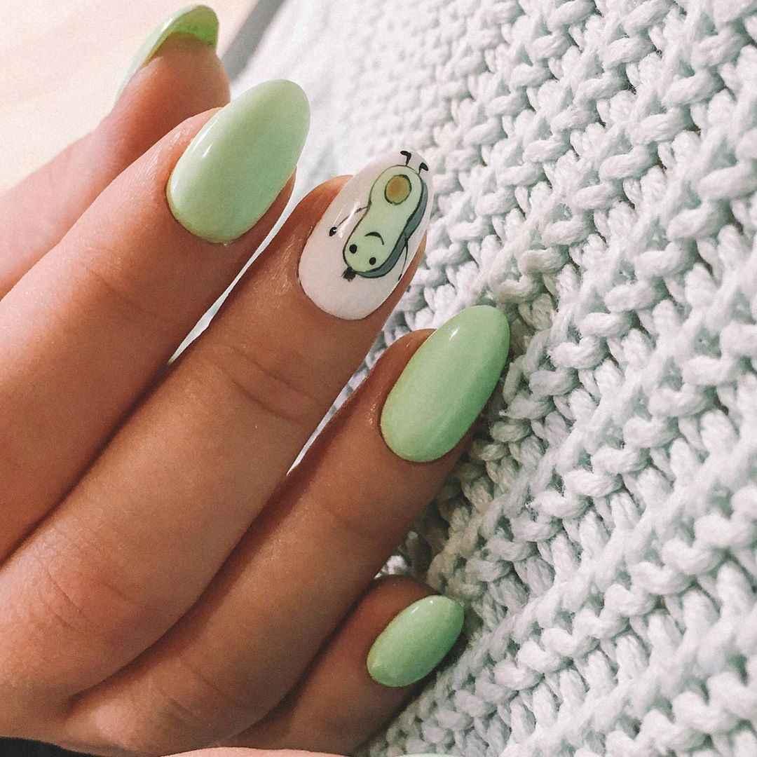 Маникюр с авокадо на одном пальце фото_12