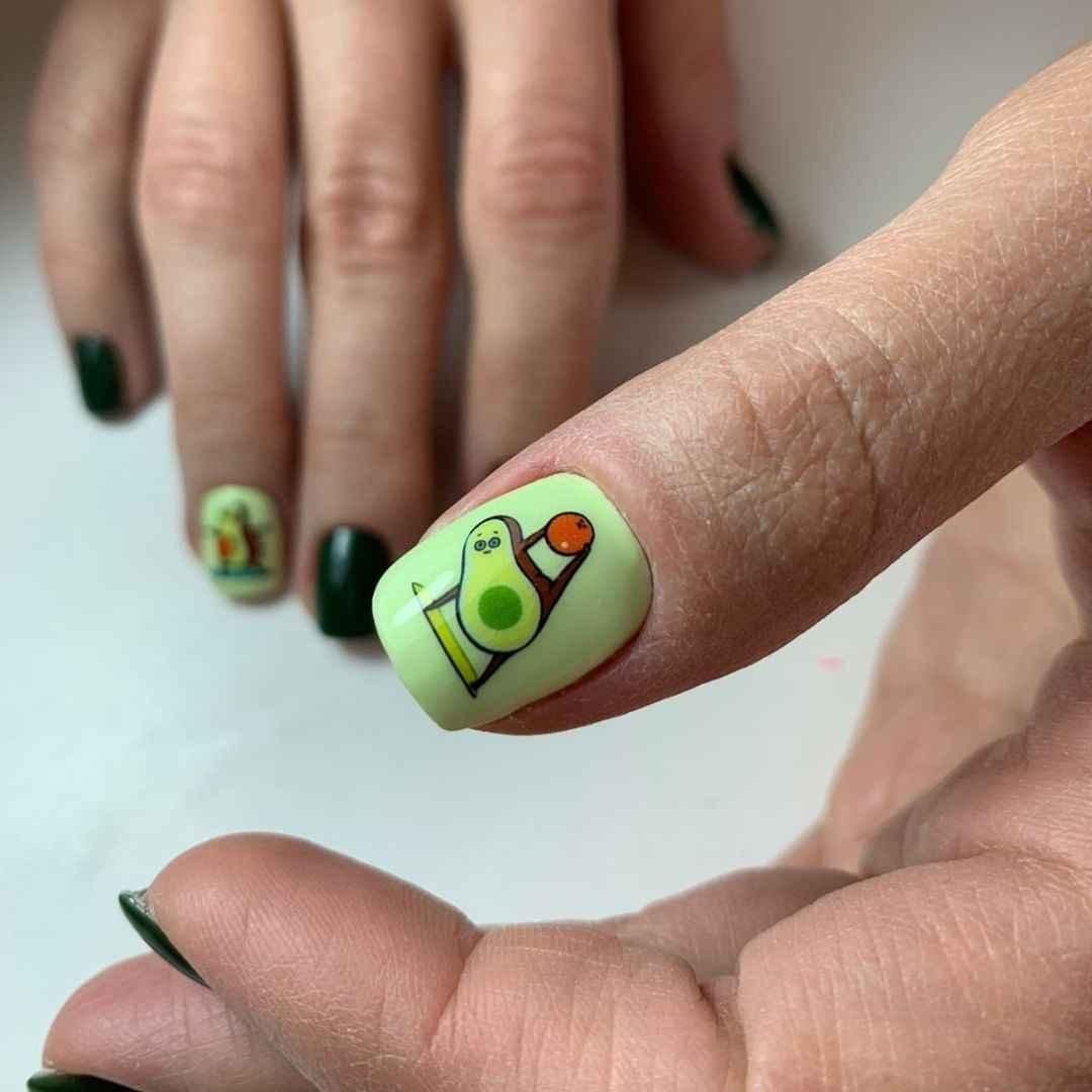 маникюр с авокадо на короткие ногти фото_6