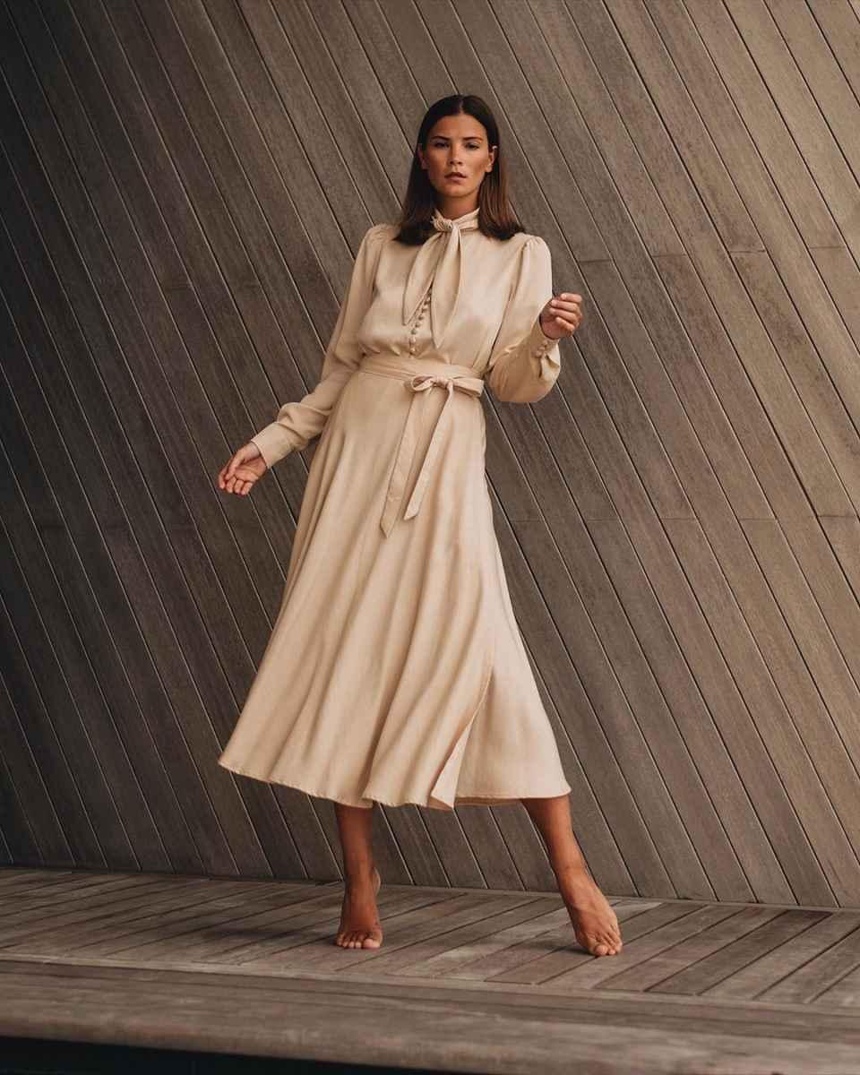 Модные платья лето 2020 для женщин 30 лет фото_22