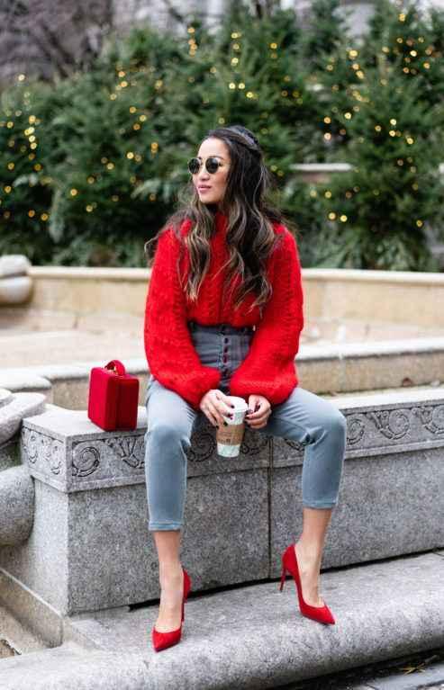 С чем носить красный свитер фото_22