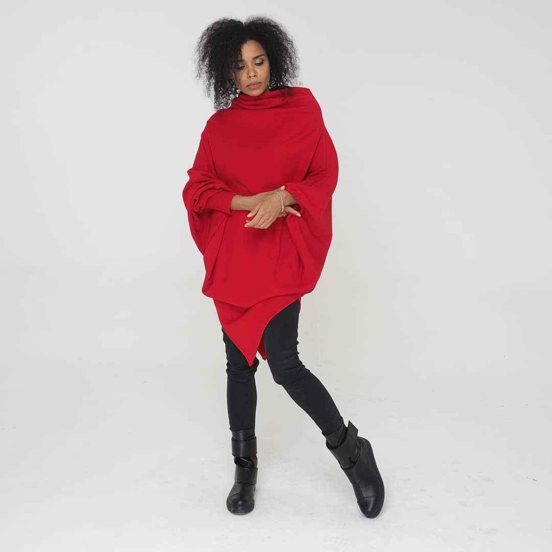 С чем носить красный свитер фото_46