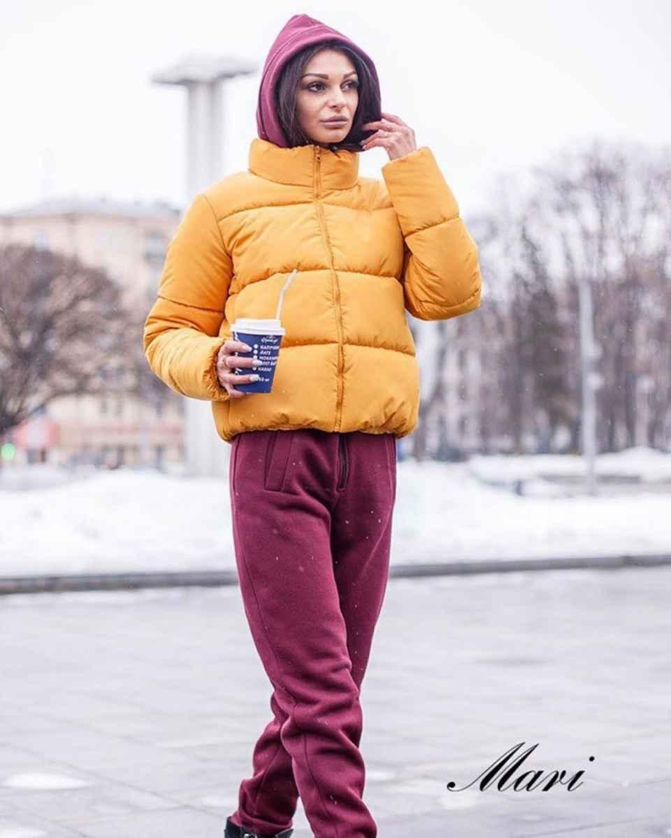 С чем носить желтую куртку фото_19