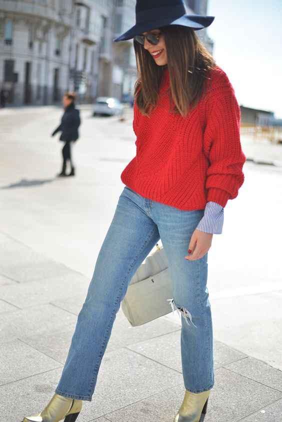 С чем носить красный свитер фото_6