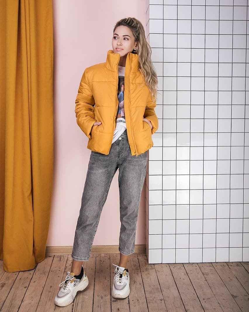 С чем носить желтую куртку фото_34